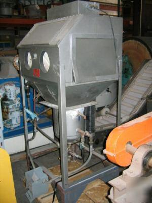 Trinco Sandblasting Cabinet Model 36x30 Pc 4127